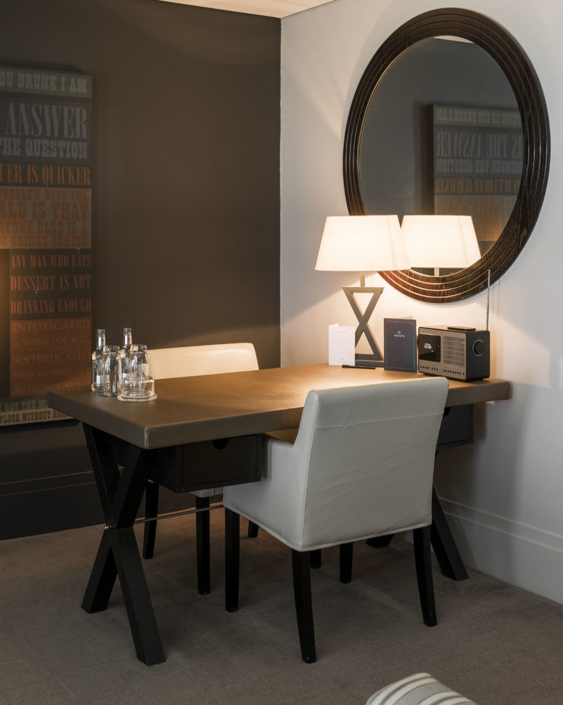Dakota Eurocentral signature suite table