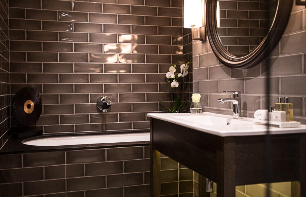 Dakota Hotel Leeds signature bathroom suite